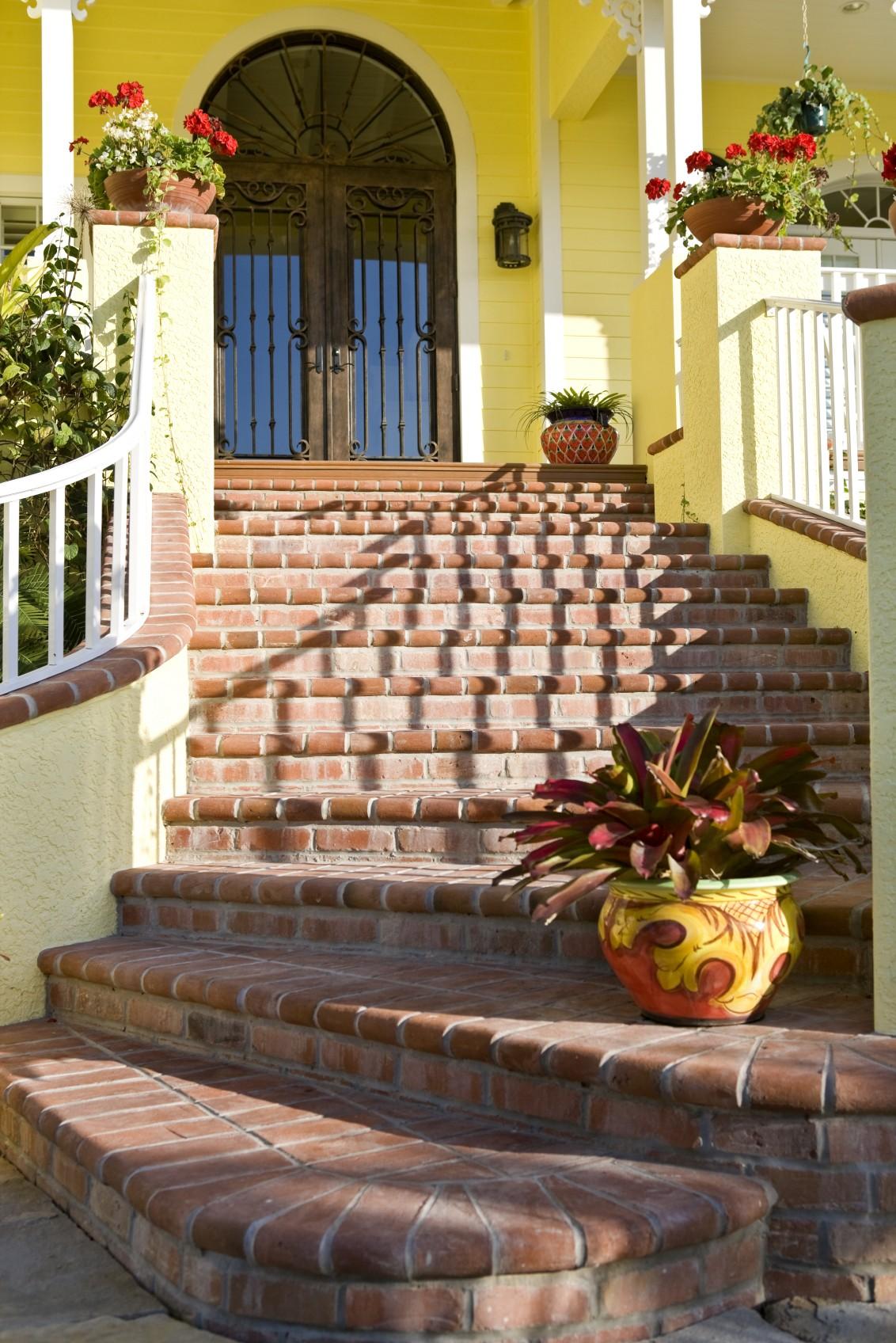 Front door feel good home design for Feng shui stairway decoration